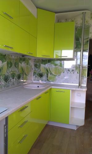 Кухня из пластика и столешница цвет
